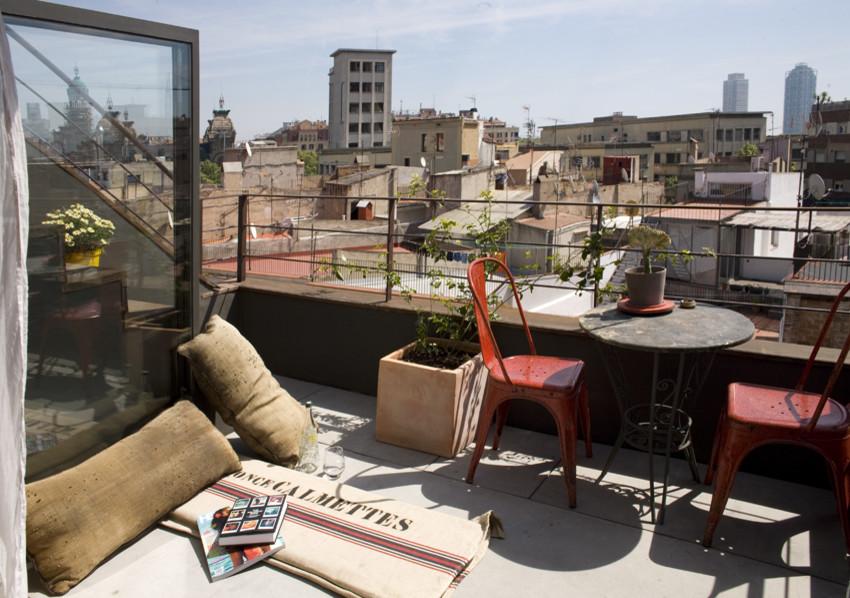 Крошечный дом с видовым балконом