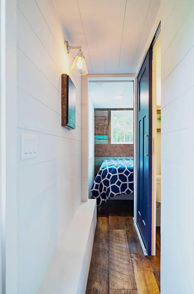 Крошечный дом: коридор