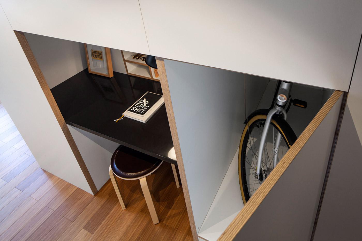 Ящик для хранения велосипеда в квартире-студии