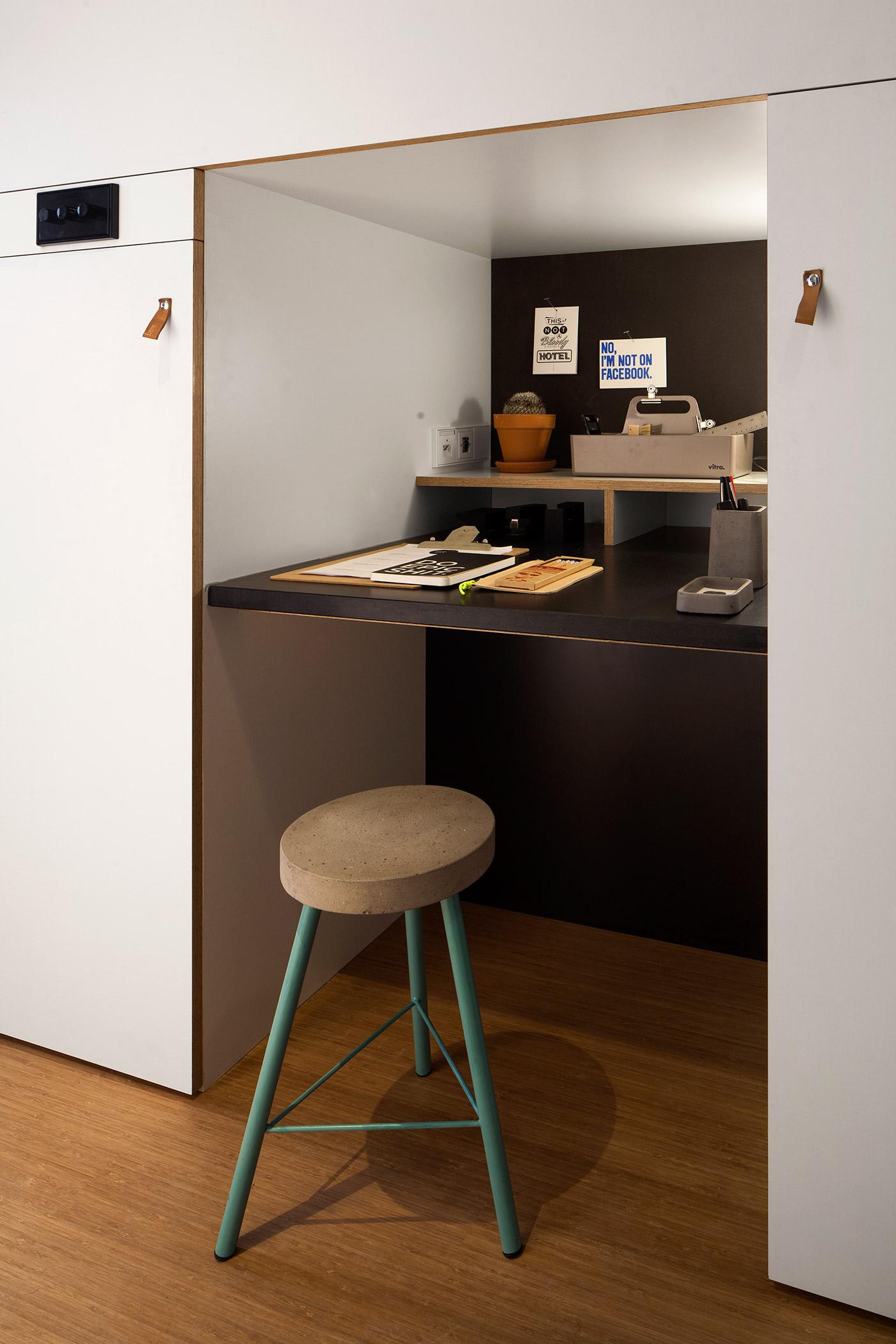 Домашний кабинет в нише квартиры-студии