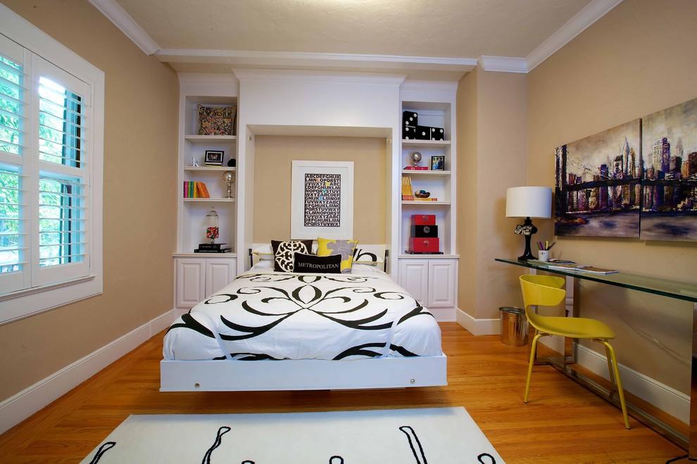 Кровать Murphy в небольшой спальне