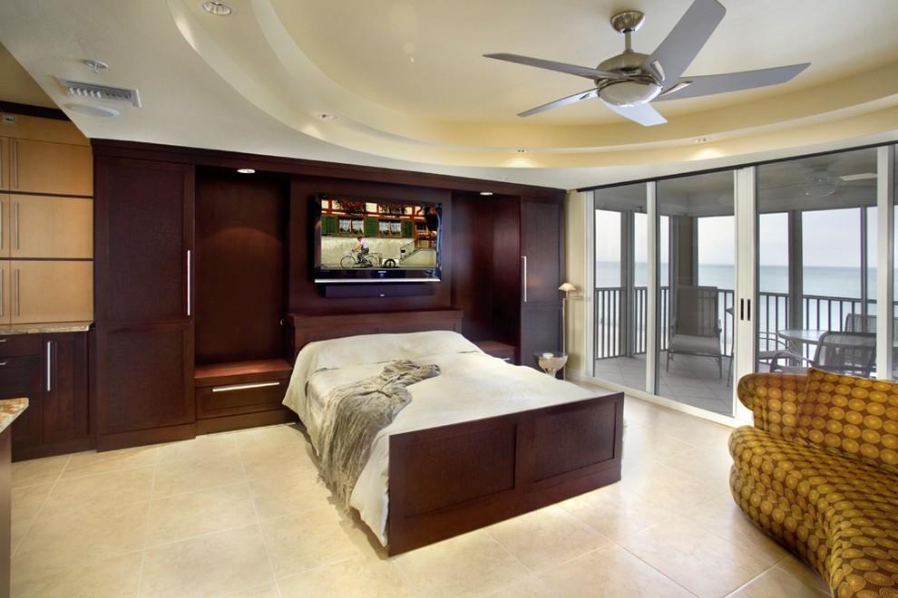 Кровать Murphy в просторной комнате