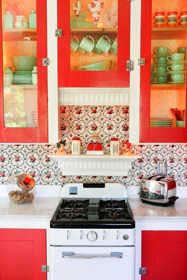 Яркие акценты в оформлении кухни