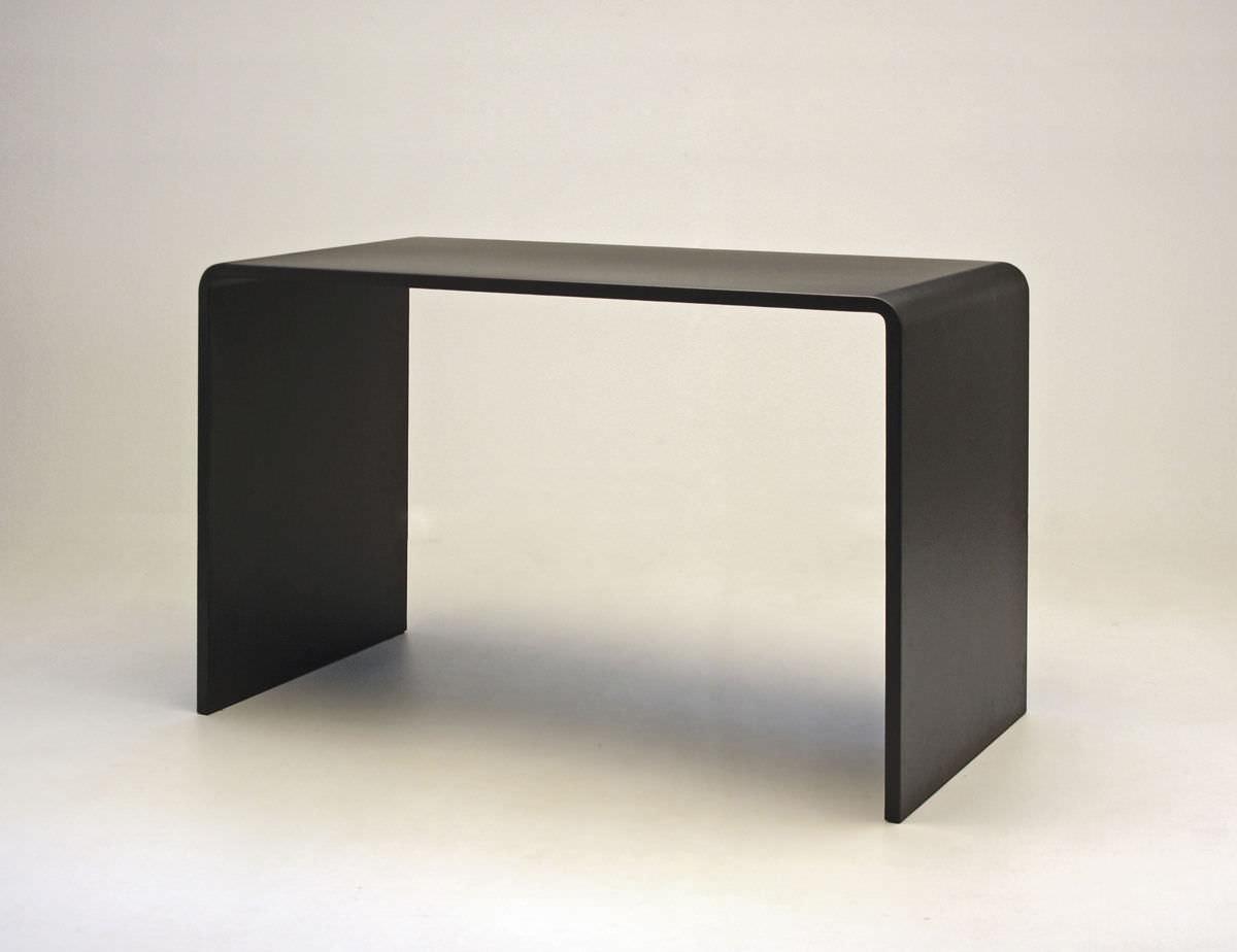 Компьютерный стол с выдвижным ящиком