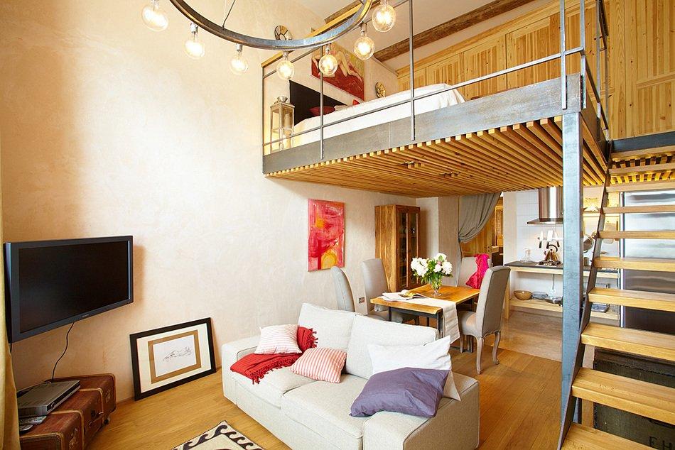 Второй ярус в квартире с высокими потолками