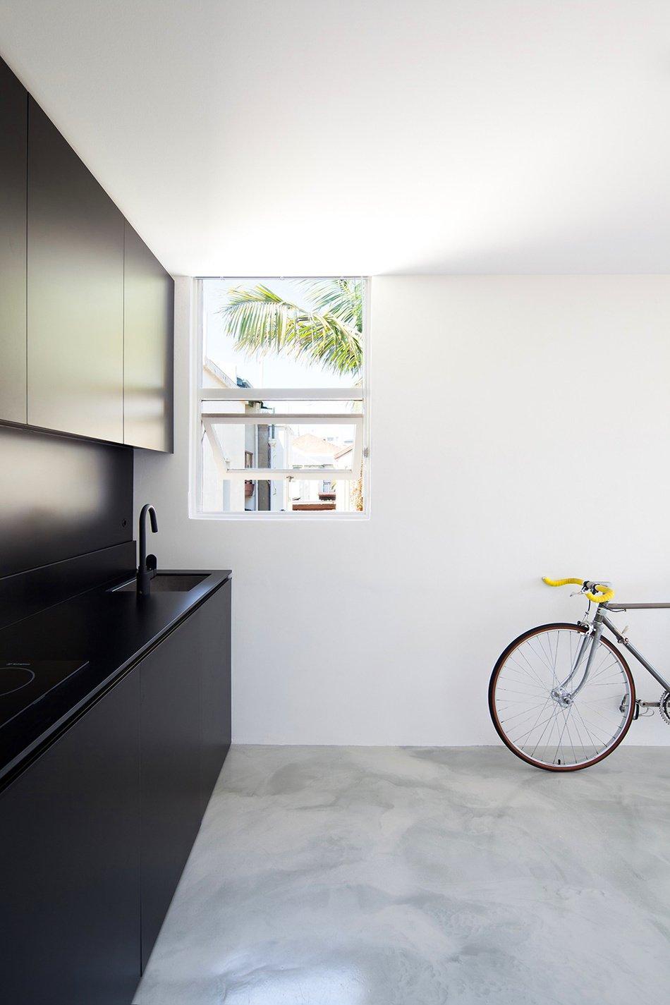 Дизайнерская кухня в квартире-студии