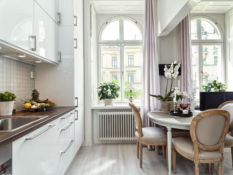 потрясающий эргономичный проект маленькой квартиры