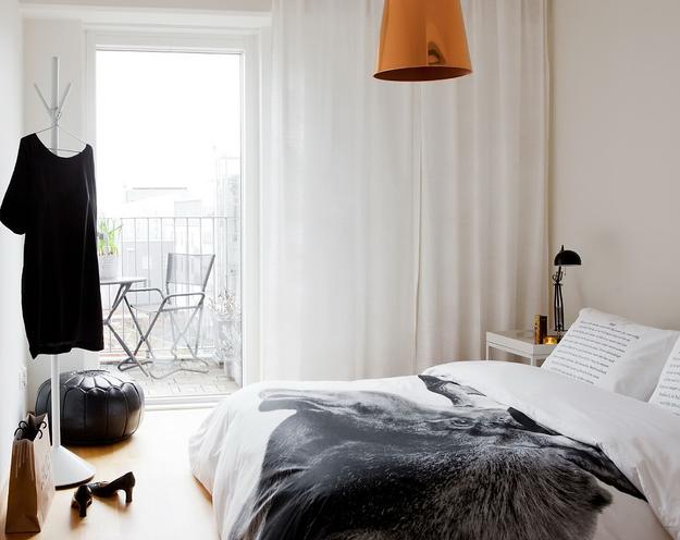 Спальня в чёрно-белом цвете
