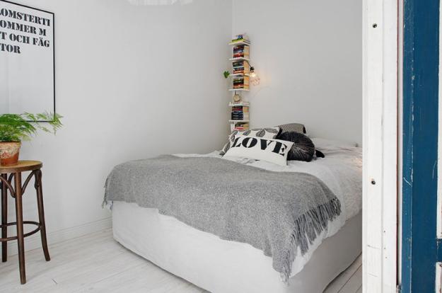 Спальня небольшой квартиры в Стокгольме