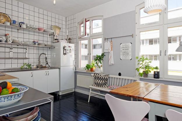 Кухня небольшой квартиры в Стокгольме