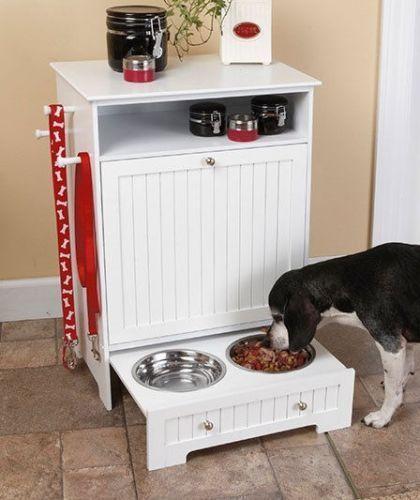 Еда для собаки в выдвижном ящике