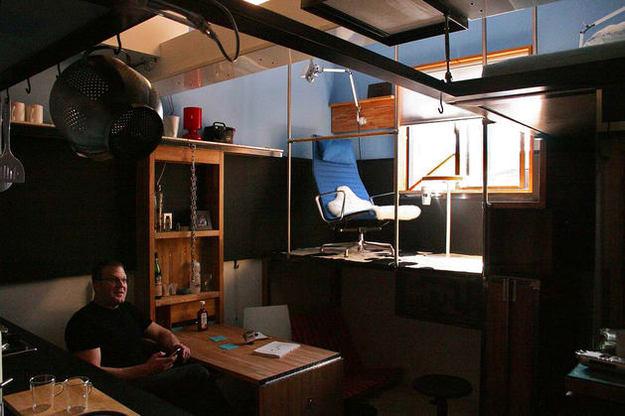 Столовая в трёхуровневой квартире