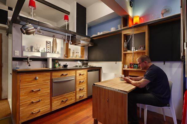 Интерьер кухни в трёхуровневой квартире