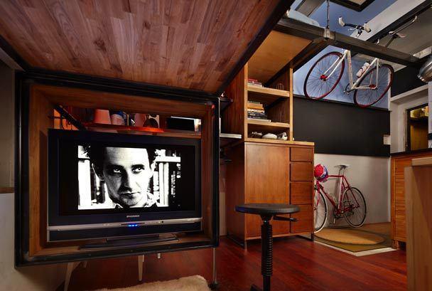 Домашний кинозал в трёхуровневой квартире