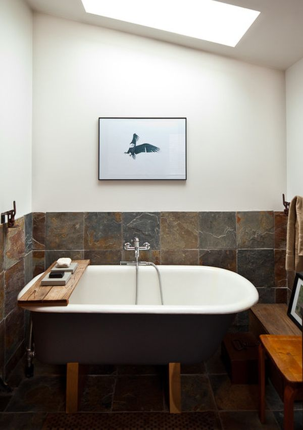 Ванна на деревянных ножках