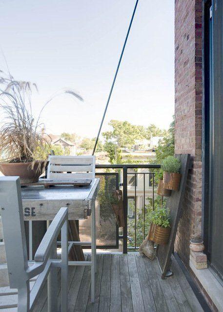 Маленький садик на маленьком балконе