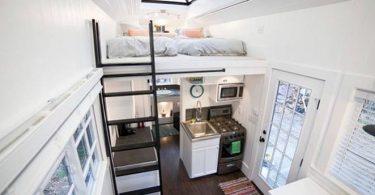 Маленький дачный дом — вид на все помещение