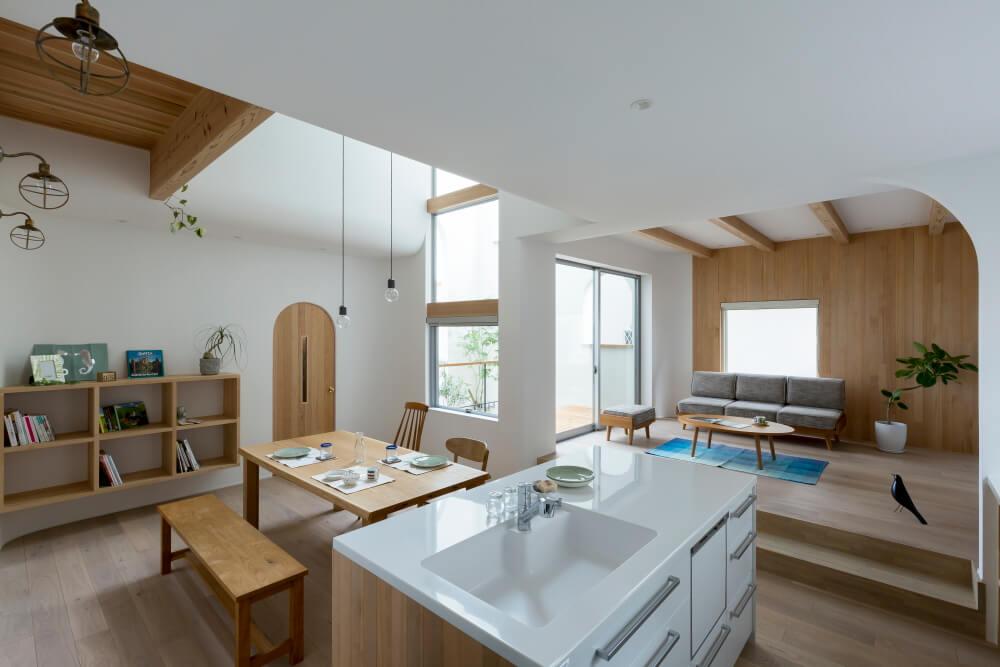 Открытая планировка в интерьере маленького дома