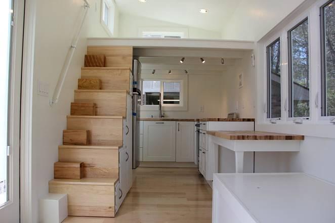 Маленький дом с большой кухней в скандинавском стиле