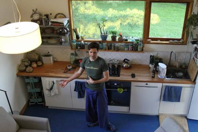 Маленький экономный дом: кухонная зона