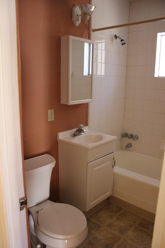 Интерьер маленькой ванной до ремонта