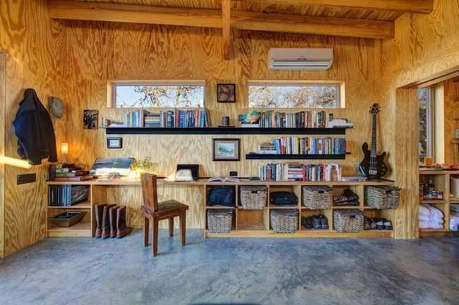 Маленький недорогой деревянный дом в США: «деловая» зона