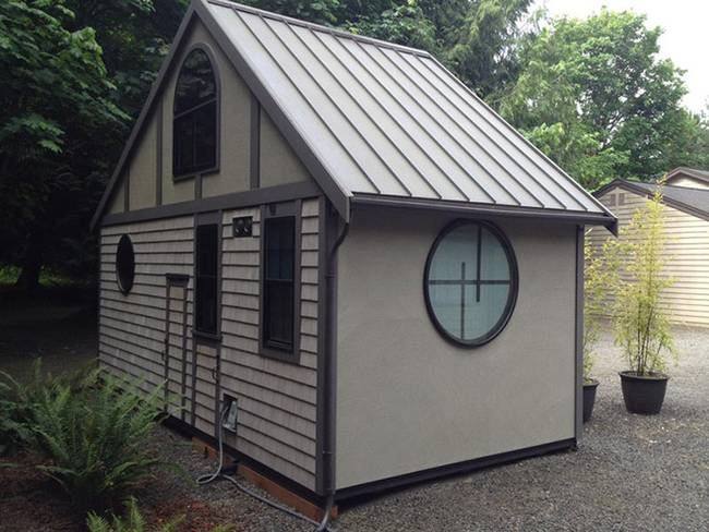 Фасад маленького японского дома