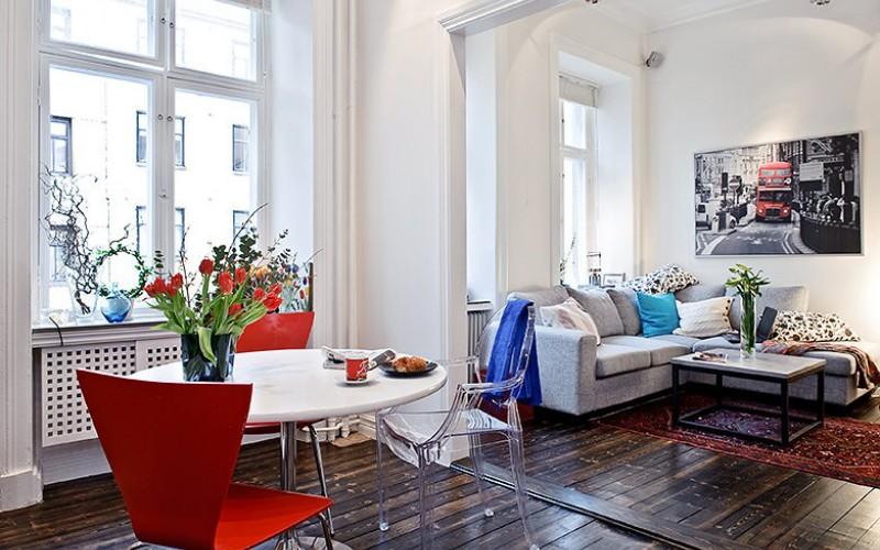 Интерьер элегантной гостиной в маленькой квартире