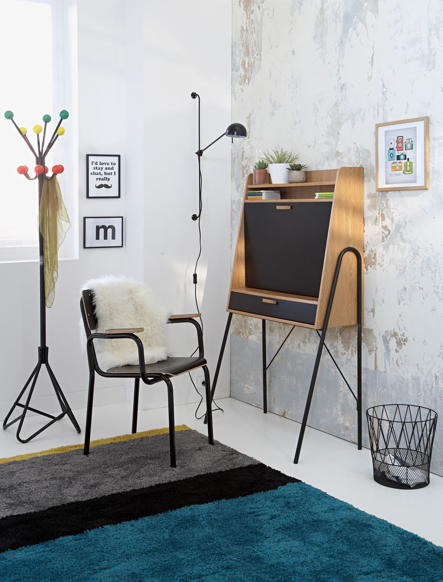 Мебель для комнаты: секретер для кабинета