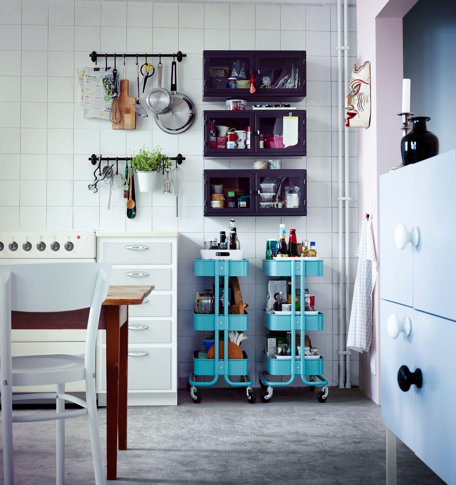 Мебель для комнаты: десертный столик