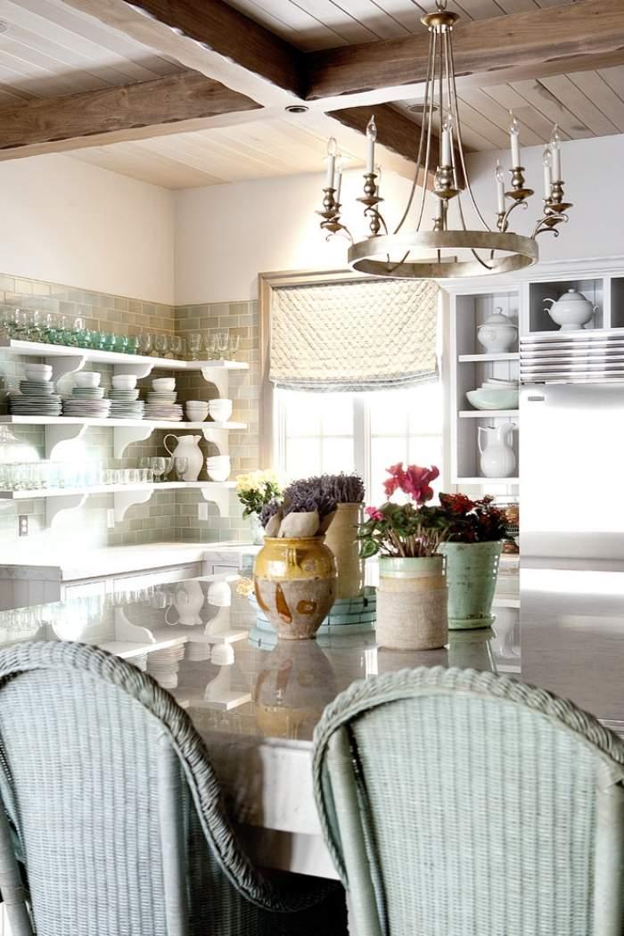 Кухня в пастельных тонах