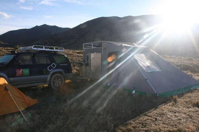 Мини-дом на колёсах: можно разложить дополнительные спальные места