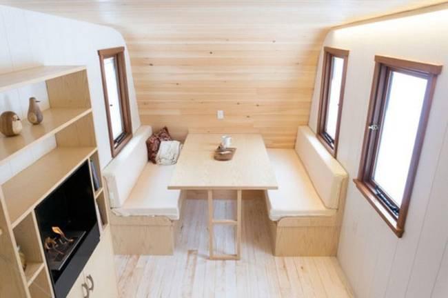 Удобный мини-домик: фото из Онтарио - деревянная отделка