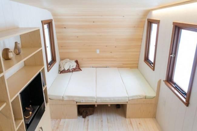 Удобный мини-домик: фото из Онтарио - складная мебель