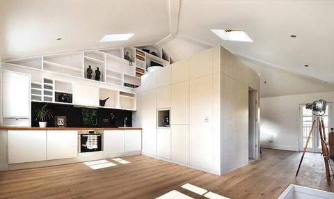 Интерьер просторной кухни в скандинавском стиле