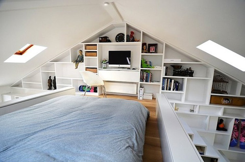 Системы хранения в спальне под потолком