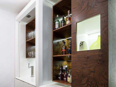 Мебель для маленькой квартиры со встроенным баром