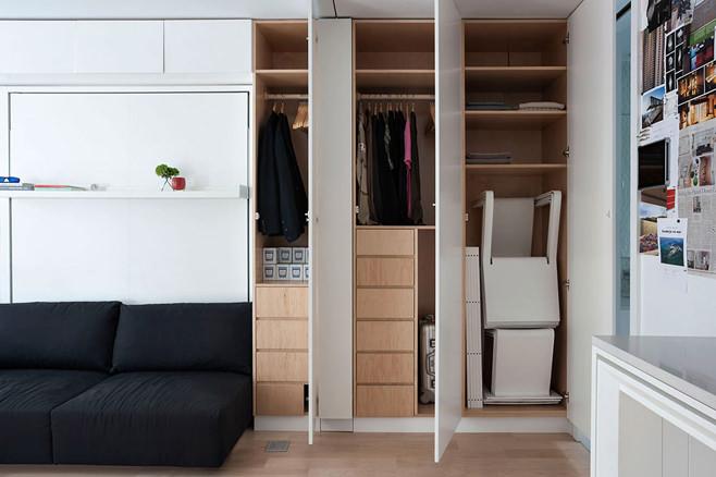 Шкаф в многофункциональной квартире-трансформере