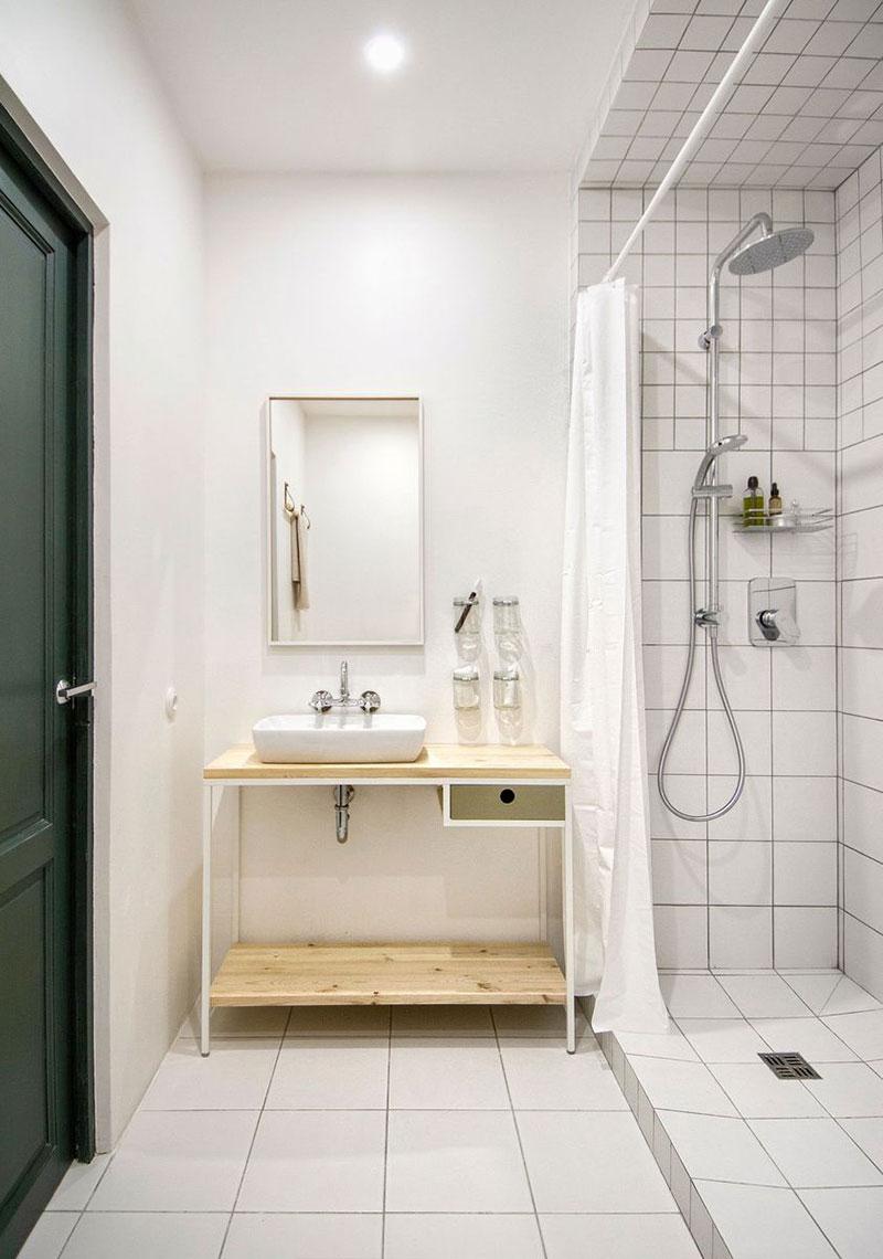Модный интерьер ванной в белом цвете