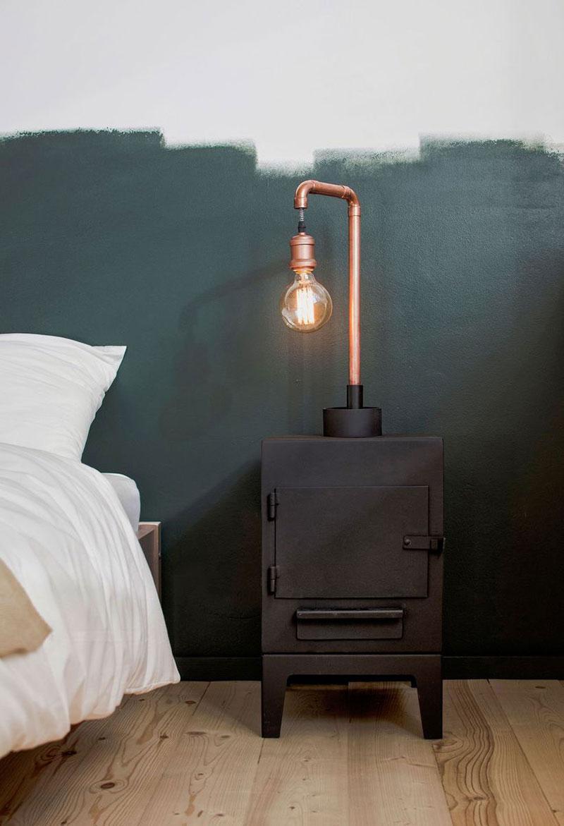 Необычный светильник в спальне