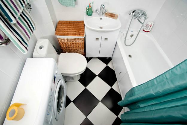 Чёрно-белая плитка в ванной