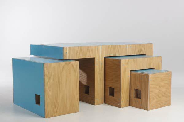 Раскладной деревянный мебельный гарнитур