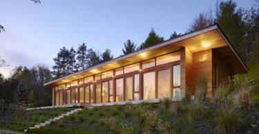 Оригинальный небольшой дизайнерский дом