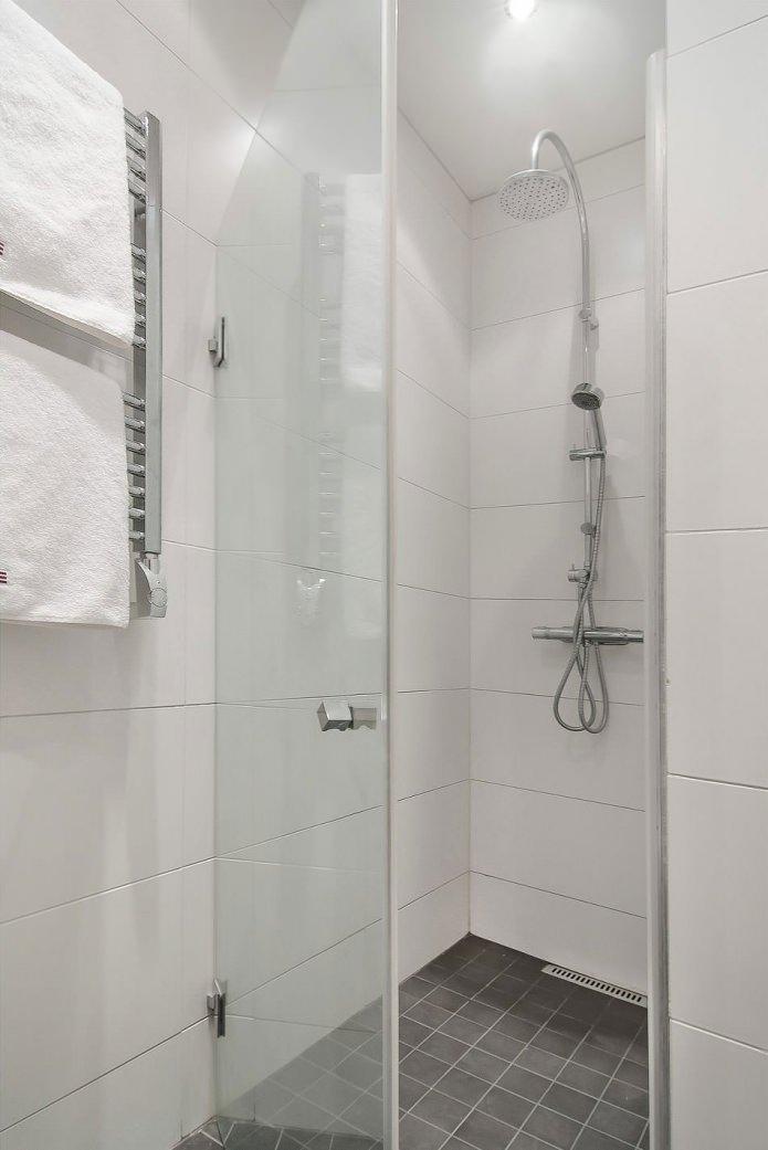 Ванная квартиры-студии в скандинавском стиле