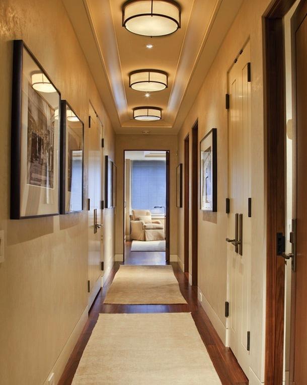 Низкие потолки в коридоре
