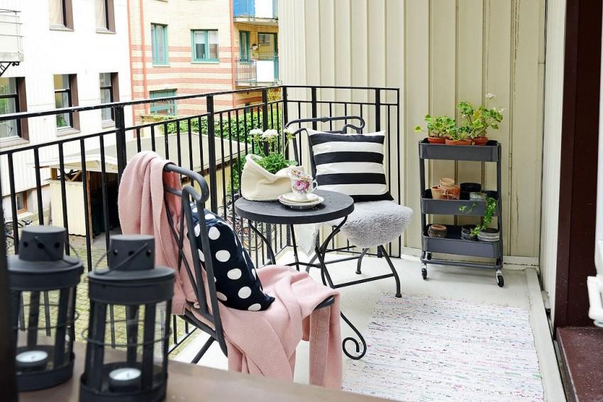 Балкон квартиры-студии в скандинавском стиле