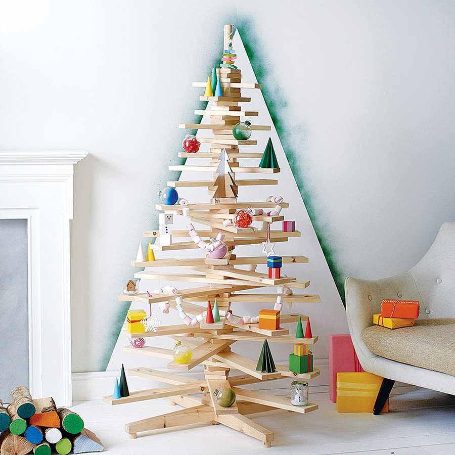 Новогодний интерьер из дерева