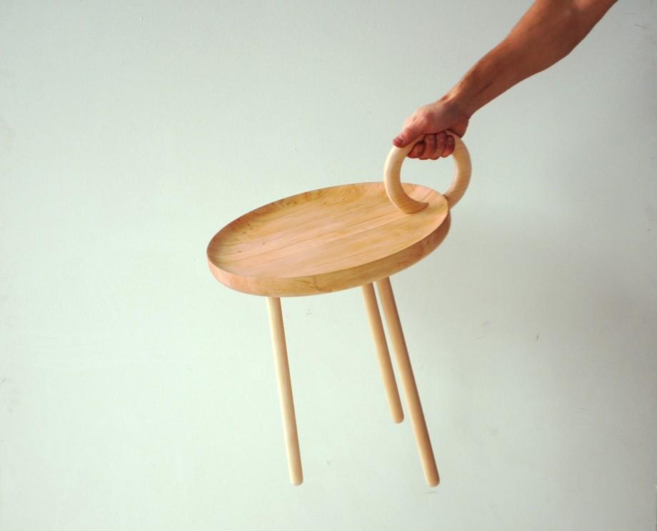 Столик с ручкой O-table от Ola Giertz Designstudio
