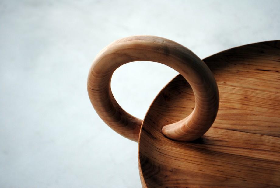 Ручка столика O-table от Ola Giertz Designstudio