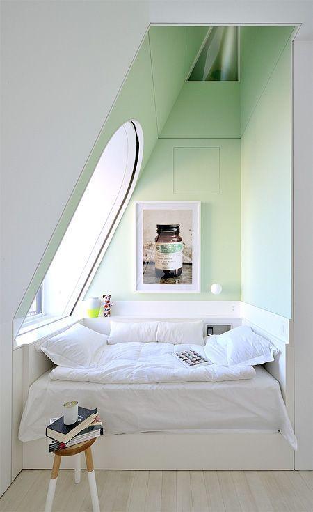 Спальное место на мансарде